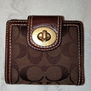 Coach Turn lock Wallet